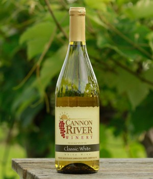 Classic White Wine by Cannon River Winery